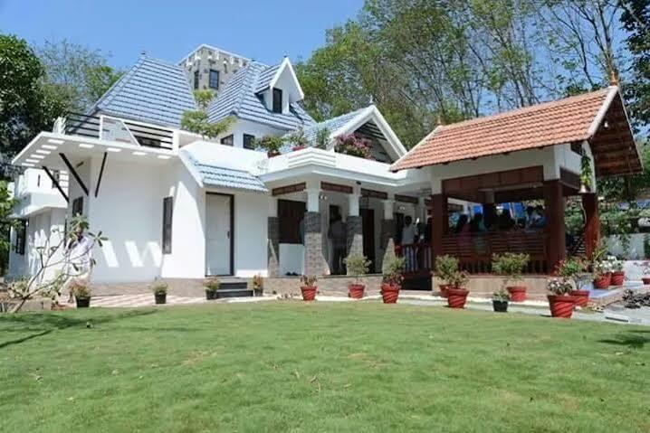Stylish Kerala House Design 3800 Square Feet